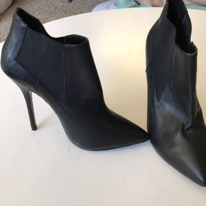 Sexy black heel boots